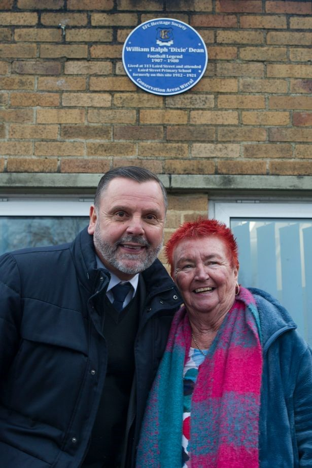 Blue plaque unveiled at Dixie Dean's primary school in Birkenhead